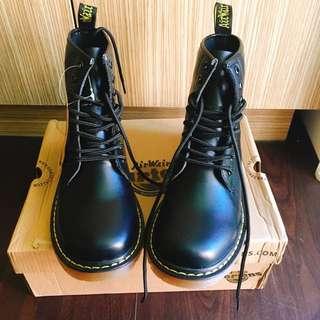 Dr.martens 馬汀靴 1460 8孔