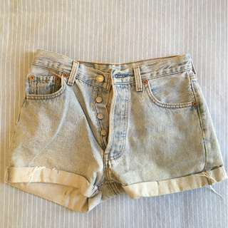 Vintage Levi Denim Shorts Size 8