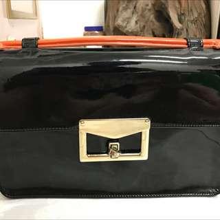 🚚 韓國漆皮兩用式背包
