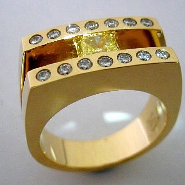 18ct Gold Yellow Diamond Ring - Tiffany Inspired