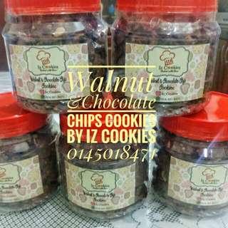 Walnut & Chocolate Chips HOMEMADE