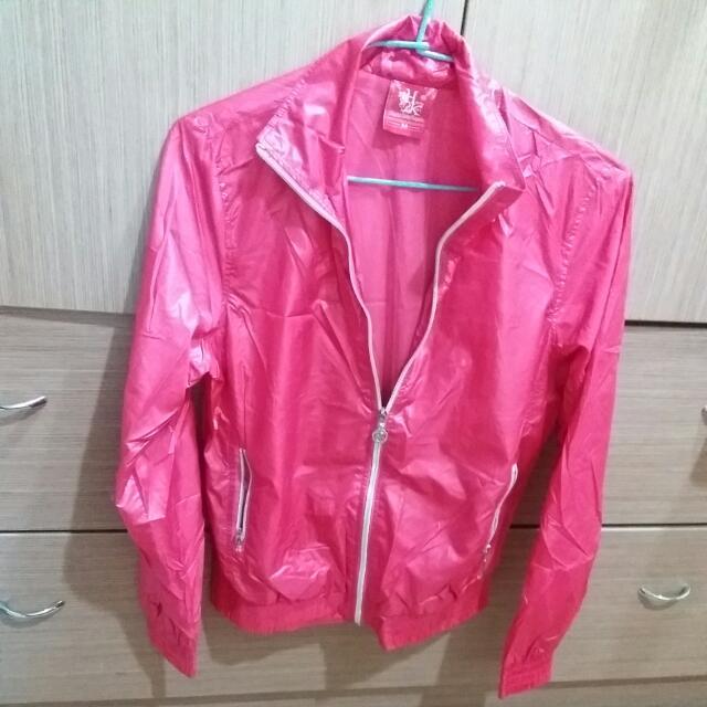 粉色防風運動外套