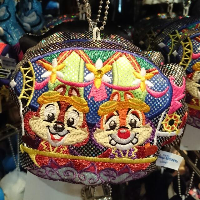 夏趴。日本東京迪士尼樂園限定【奇奇蒂蒂】 超可愛 花車造型  娃娃吊飾/夾式