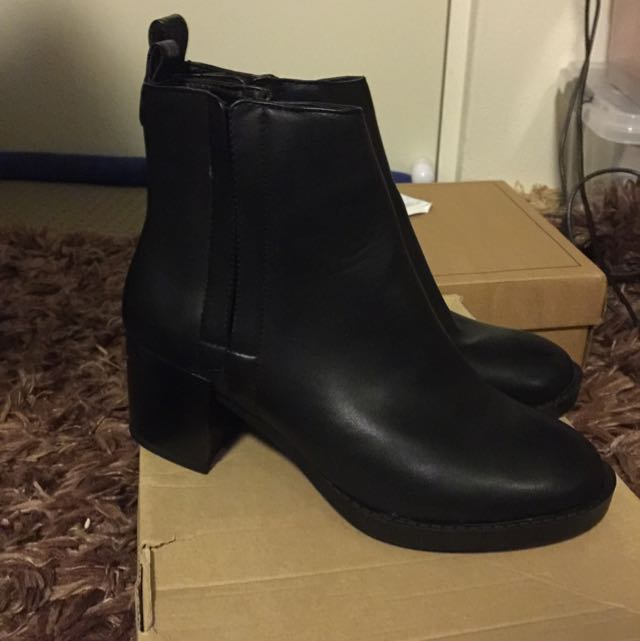 Asos* New look Chelsea Boots