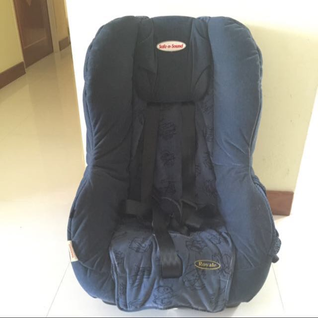 Britax Safe N Sound Royale Blue Scribbles Convertible Car Seat