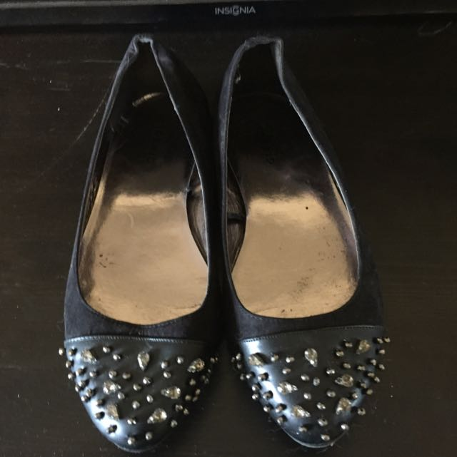Flat Shoes With Bling
