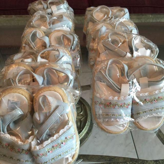 全新GYMEOREE女童鞋,適合新生禮