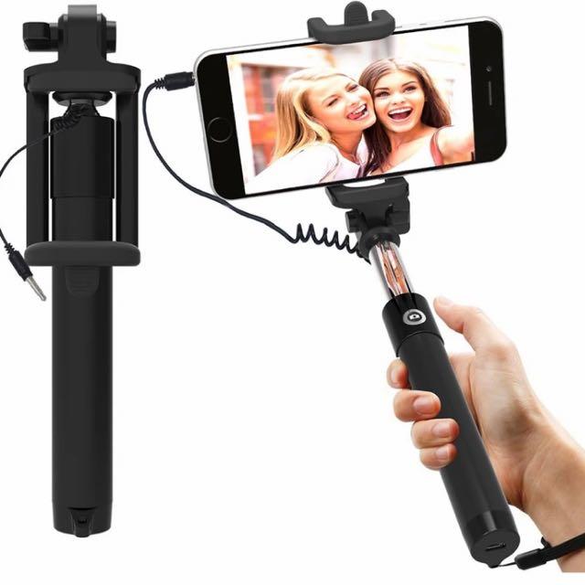 Handheld Selfie Stick Universal Fit WIRED