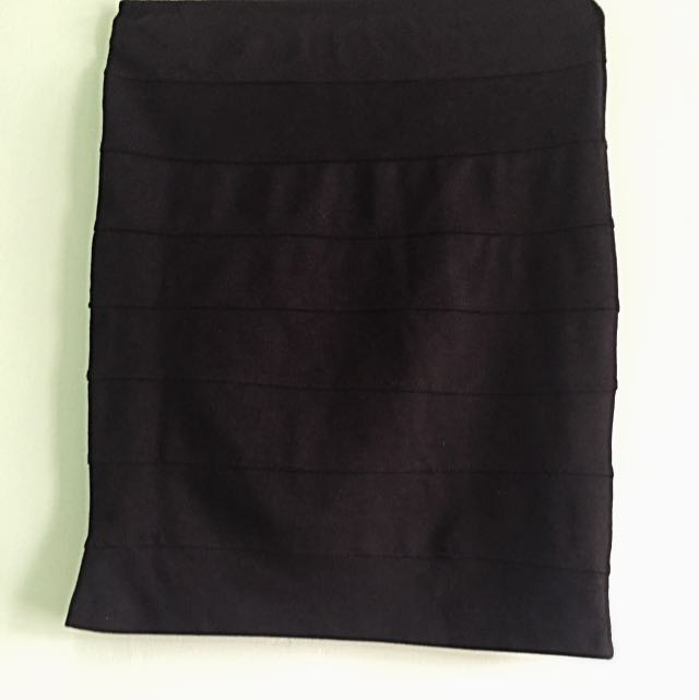 Mini Black Skirt / Rok Pendek Hitam
