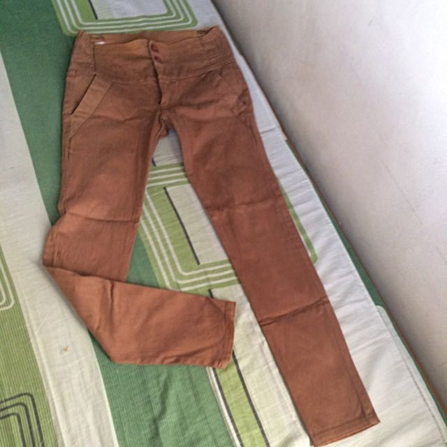 stretchable brown jeans