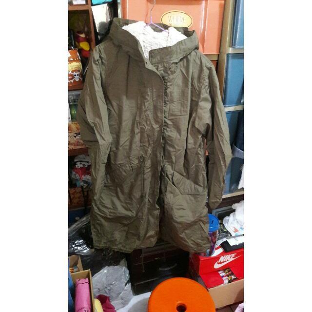 Uni Qlo軍綠外套