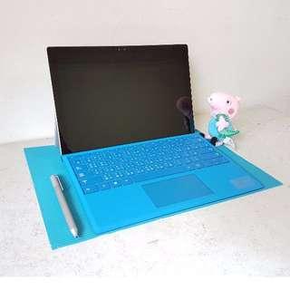 [頂規近新品] Surface Pro 4 頂級規格 (i7/16G/512G) /  配件完整(含鍵盤、手寫筆、擴充基座) / 無刮痕 / 誠可議
