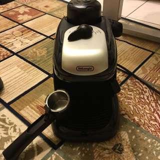 DeLonghi 迪朗奇蒸氣式濃縮咖啡機-義式