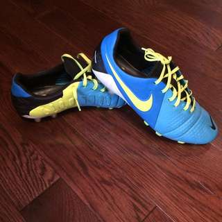 Nike CTR top Of Line Soccer Shoes
