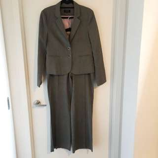 RW&Co Dark Grey Two-PC Suit