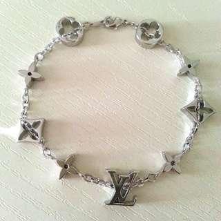 LV style silver clover charm bracelet