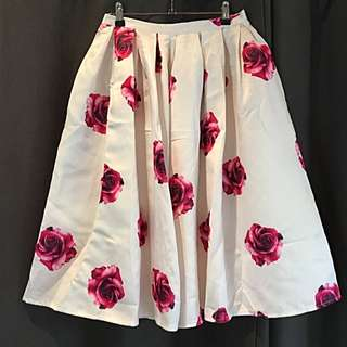 Floral Print High Waisted 3/4 Skirt