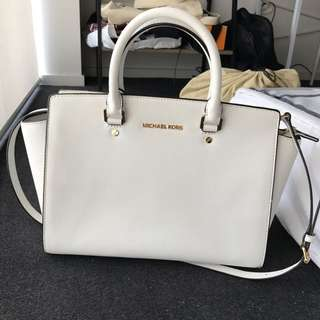 (On hold) Auth Michael Kors Large Selma