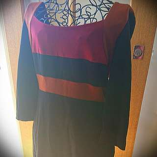 Vibrant Veronika Maine (CUE) Designer Dress In Size 10 As New!