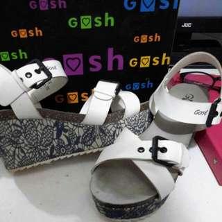 Sepatu / Sandal Wedges GOSH warna Putih (Kombinasi Brukat)