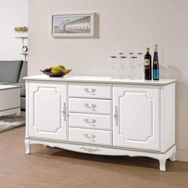 白色法式餐櫃