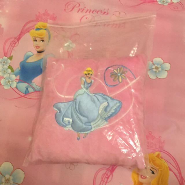 灰姑娘 仙度瑞拉 仙杜瑞拉 玻璃鞋 美國購入 抱枕 枕頭 迪士尼 迪士尼公主 公主系列