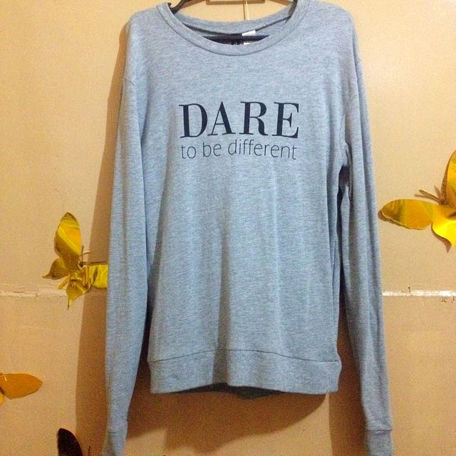 "H&M ""Dare To Be Different"" Pullover"