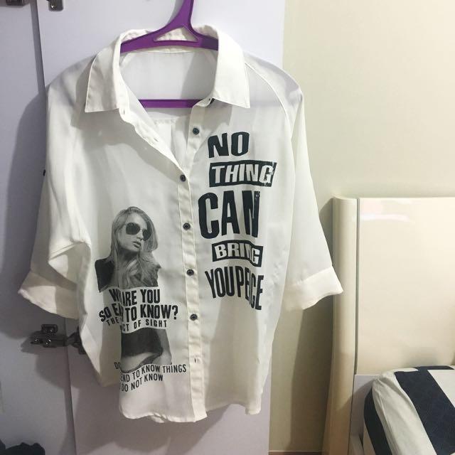 Kaos Putih / Kemeja Putih