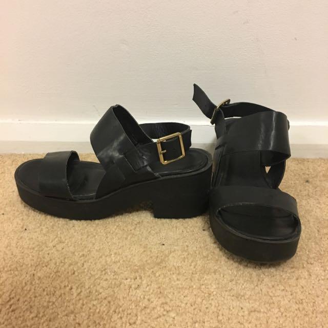 Lipstick Black Shoes