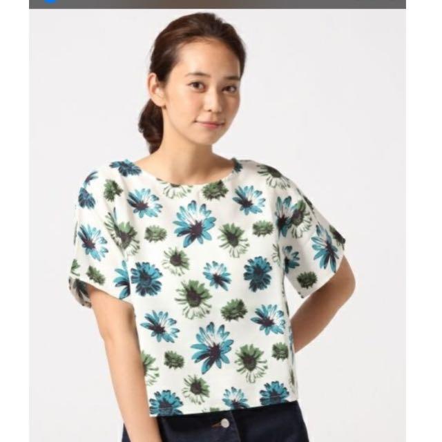 日本品牌LOWRYS FARM小雛菊清新花卉上衣(特價)