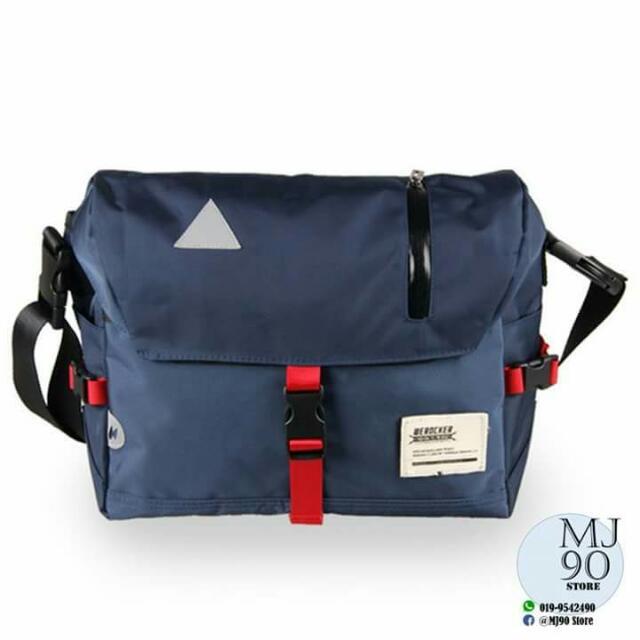 WEROCKER MESSENGER BAG .