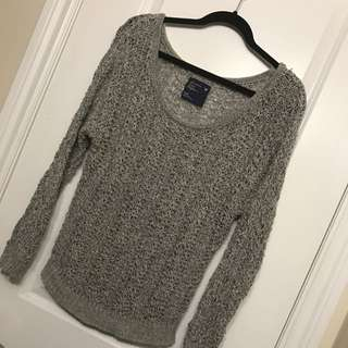 *Reduced*?American Eagle Sweater Size Small