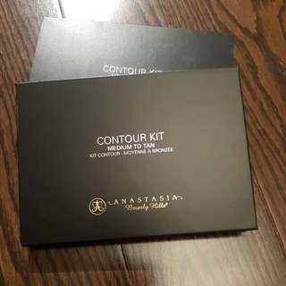 Anastasia Beverly Hills- Contour Kit Medium Tan