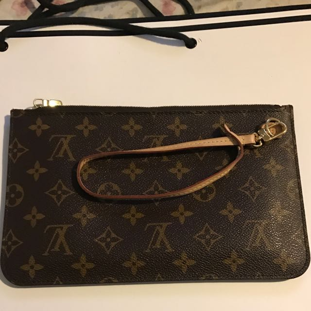 100% Authentic Louis Vuitton Pouchette