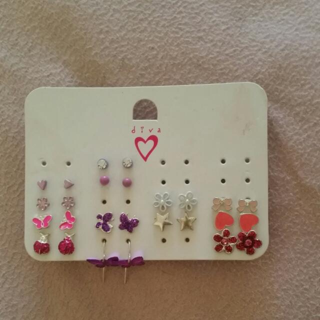 13 Pairs Of Diva Earings