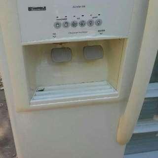 Side By Side Refrigerator/ Freezder