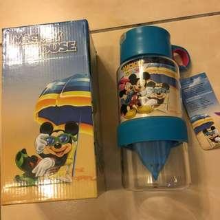正版迪士尼現擠檸檬水壺