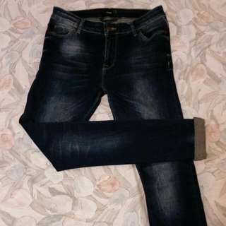 🚚 asos深藍刷白窄管褲-W28 L32
