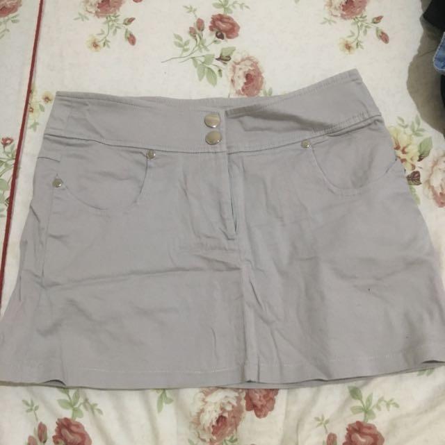 專櫃灰色短裙