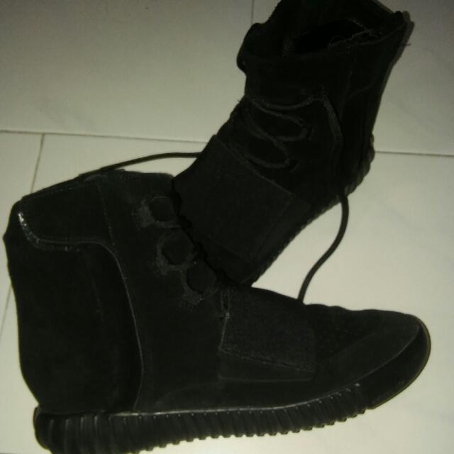 bba7e5db92480 Adidas Yeezy Boost 750 Triple Black Pending
