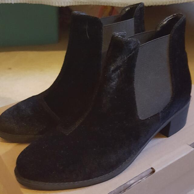 Size 36 ASOS BOOTS