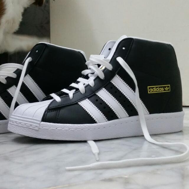 Authentic women's adidas originals Superstar Up shoes in black  Rrp $130 Never worn  Size US 6 UK 4.5