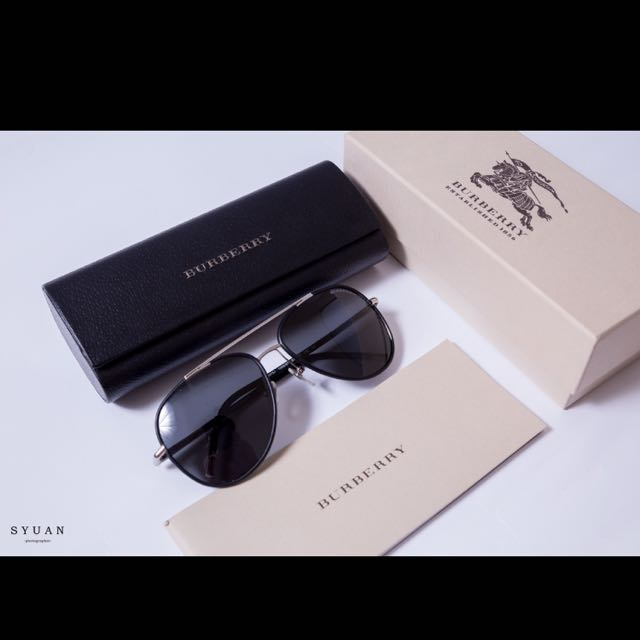 【BURBERRY 太陽眼鏡】率性時尚飛行款(黑-金#BU3078J 100587)