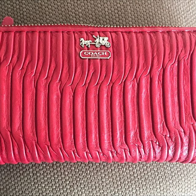 Coach Accordion Gathered Leather Wallet Red