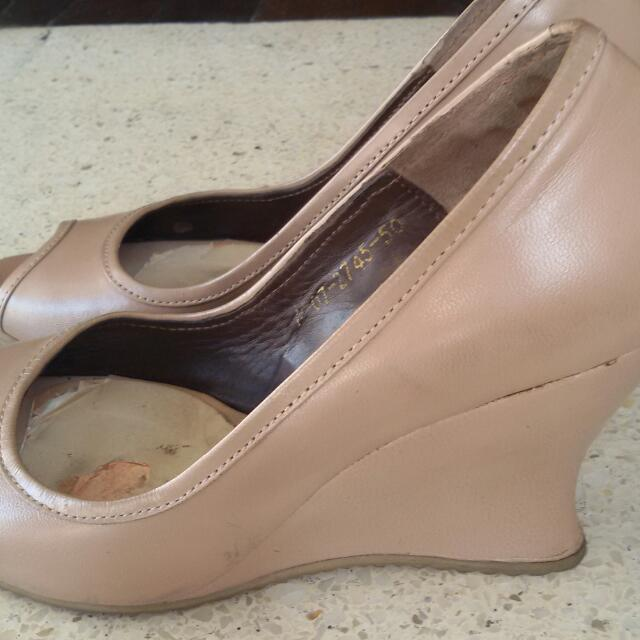 Nude/ Blush Wedges
