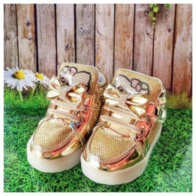 Sepatu Anak HK led Gold , Tanya2 Size Langsung Wa Aja Yah 089690399348