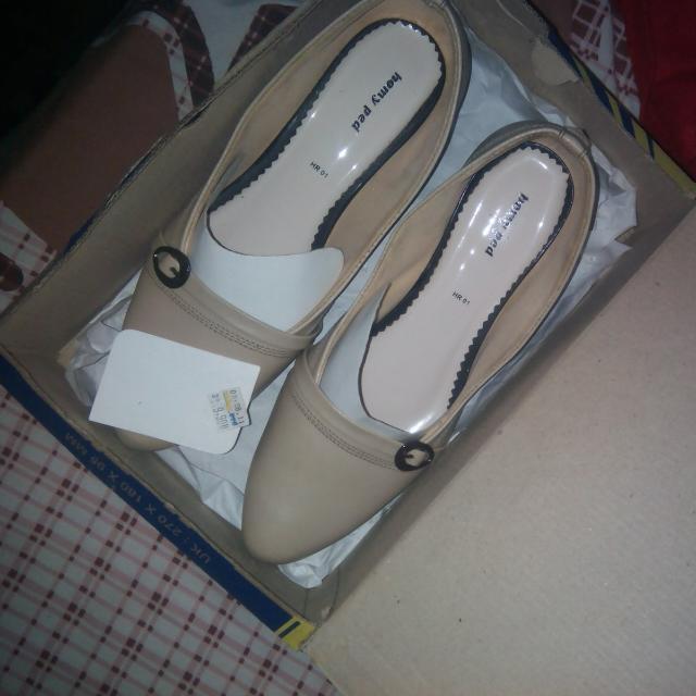 Sepatu Pantopel Homyped Cream