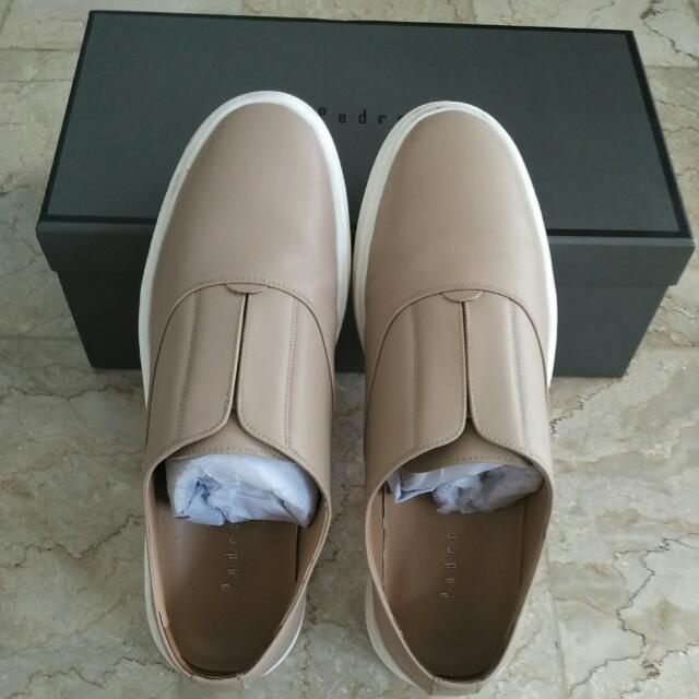 Sepatu Pedro No 42