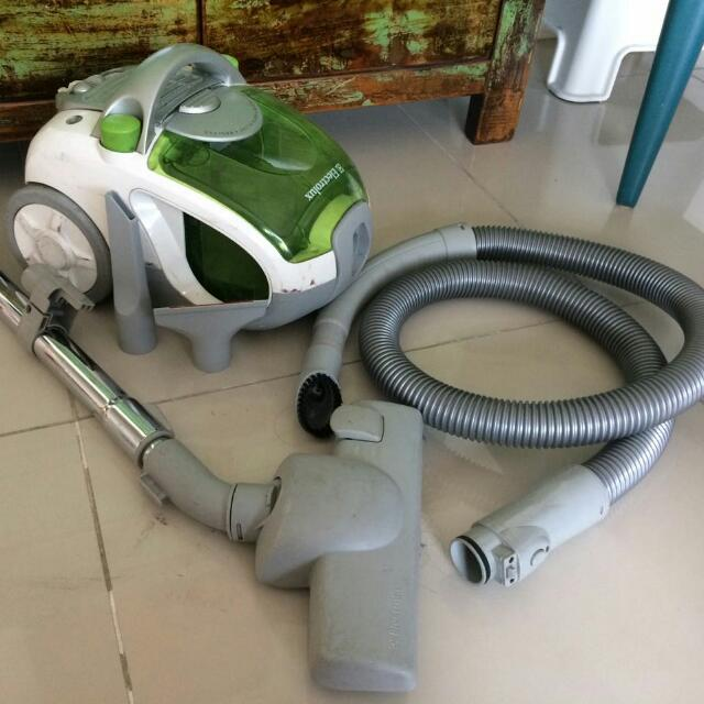 Electrolux Vacuum Cleaner