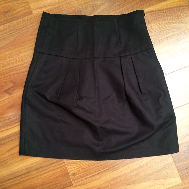Zara High-Waisted Black Skirt, Size Medium